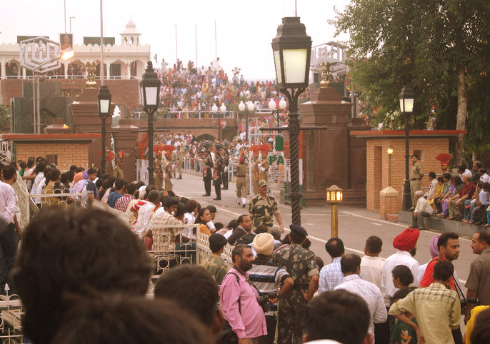 border closing ceremony, wagah ceremony, india and pakistan soldiers