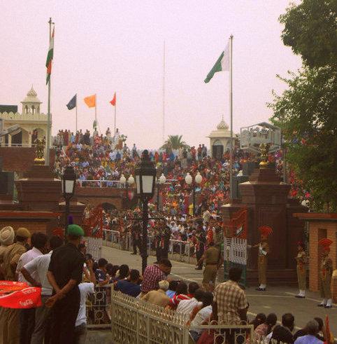 wagah border closing ceremony, border closing ceremony india, pakistan border