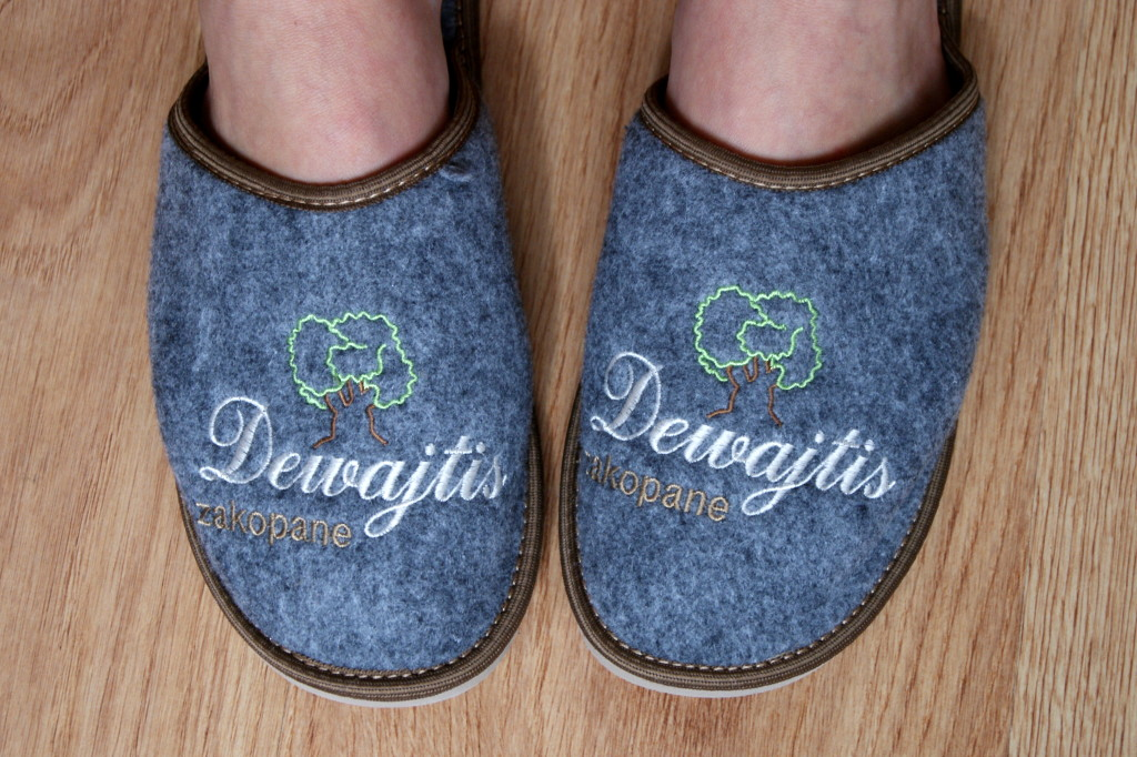 Dewajtis slippers!