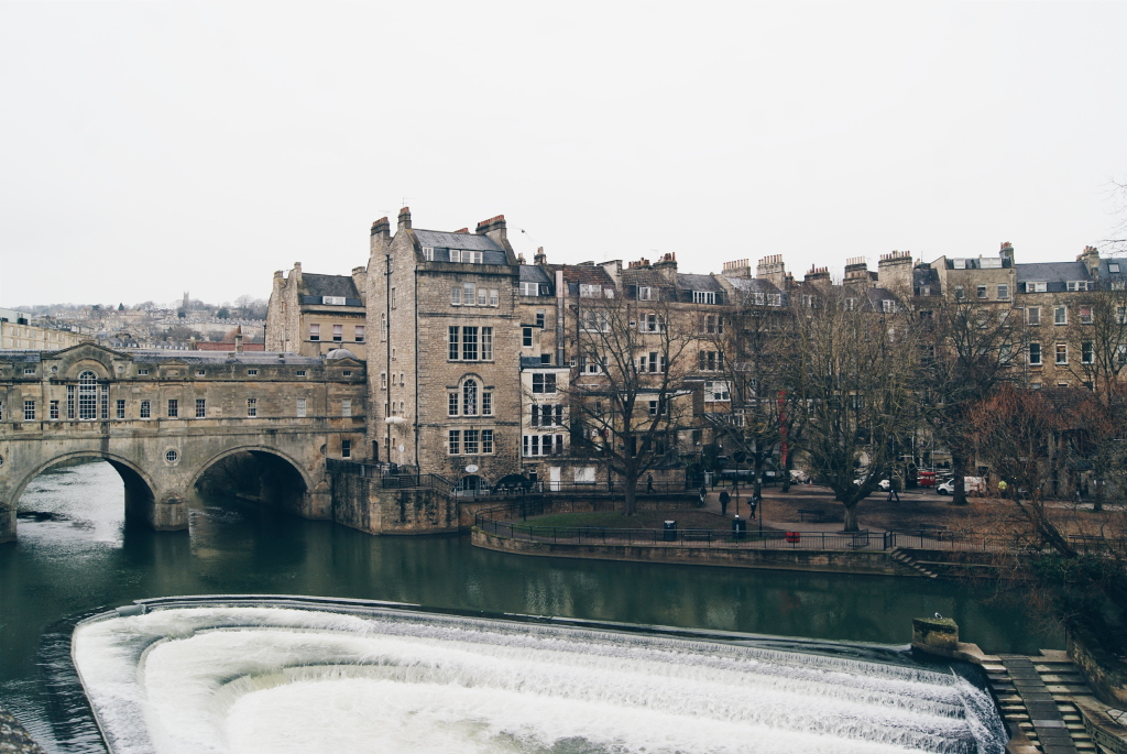 pulteney bridge bath, bath tourism, jane austen bath