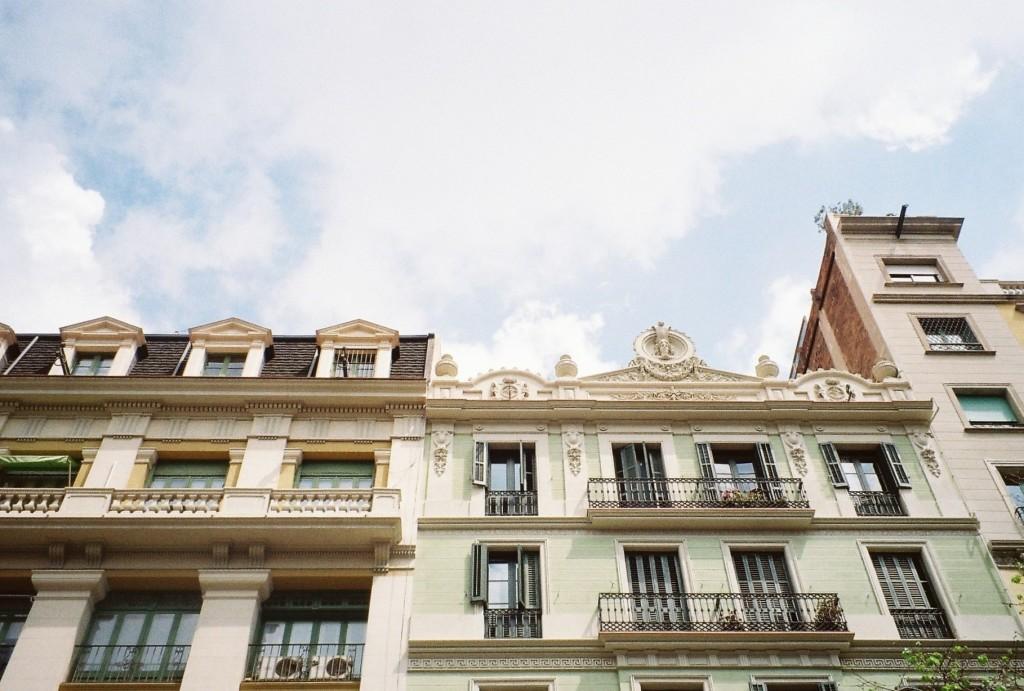 barcelona architecture, barcelona film photos, film photography, travel film photography, Rambla Catalunya
