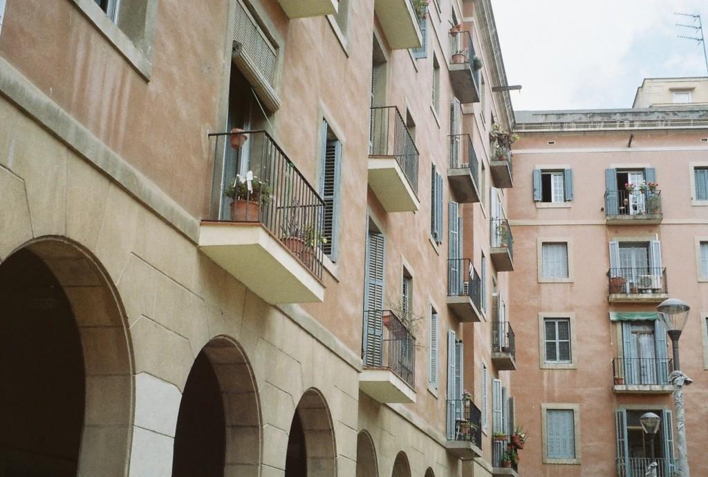 barcelona architecture, Plaça de Vicenç Martorell, barcelona film photos, film photography, travel film photography
