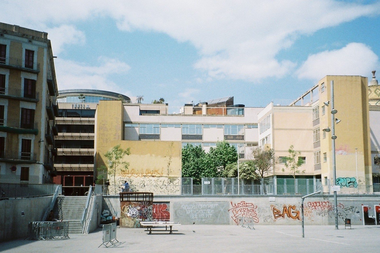 15 Barcelona Film Photos Looking Up To The Rooftops Gkm