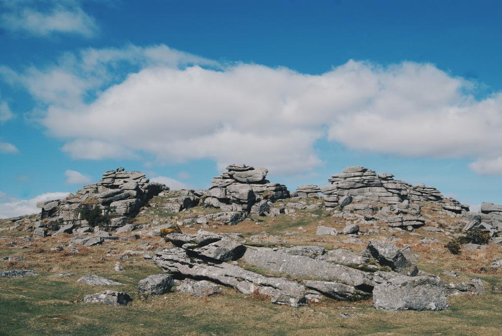 visiting dartmoor, dartmoor national park, pew tor dartmoor