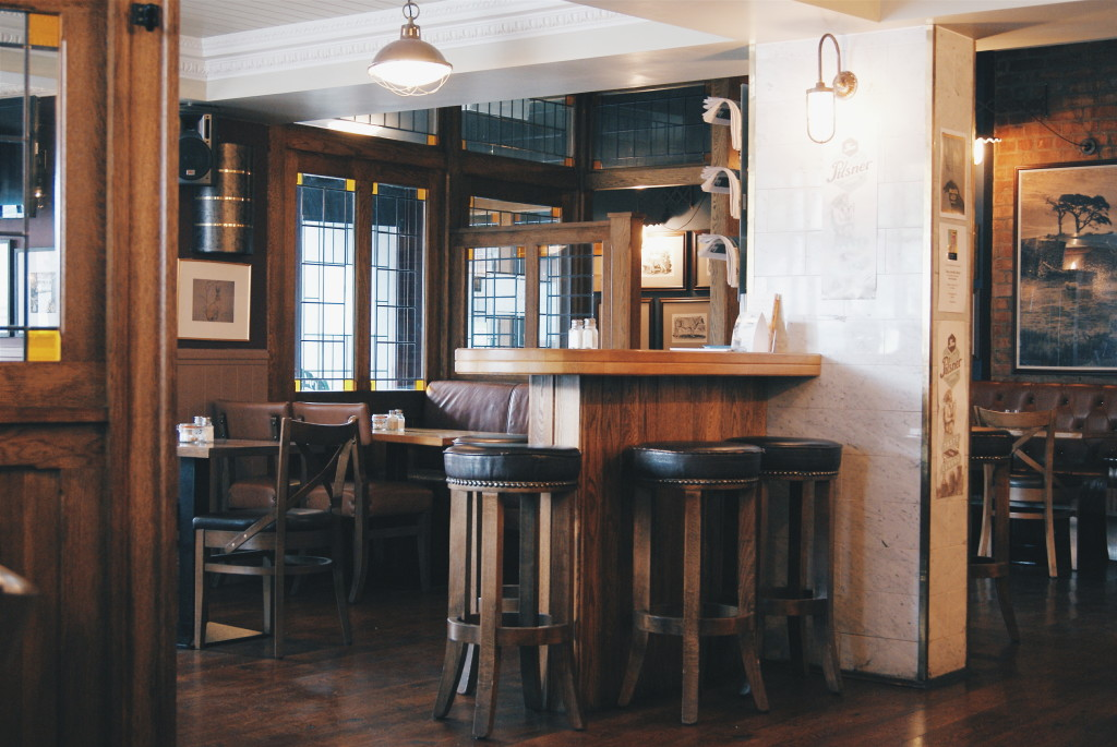 day trips from dublin, dalkey pubs, magpie inn dalkey