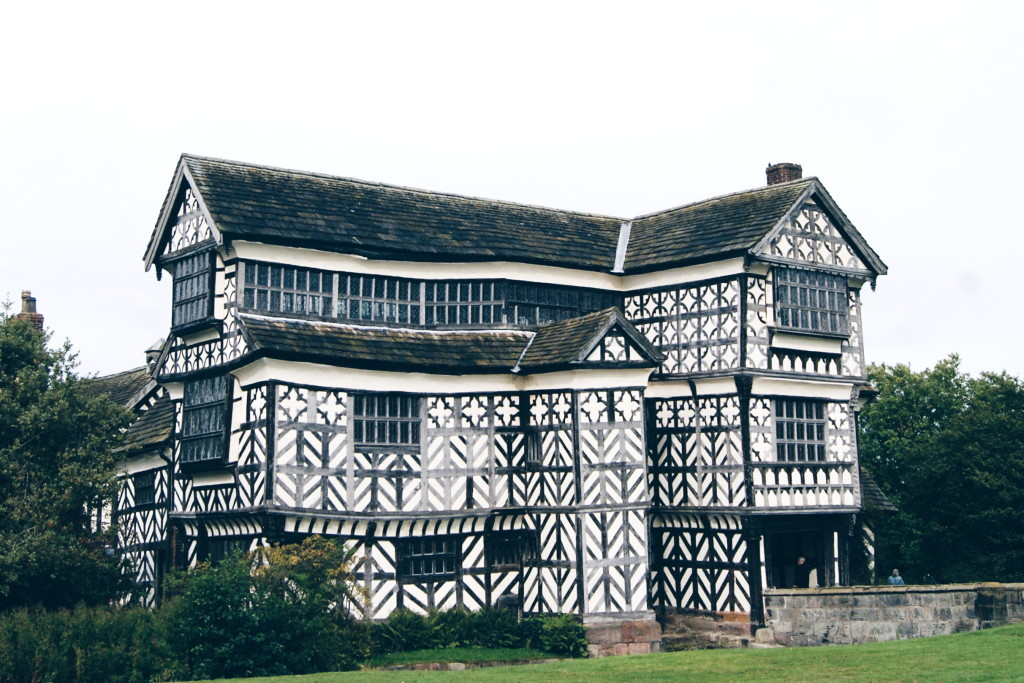 days out in england, little moreton hall, national trust cheshire