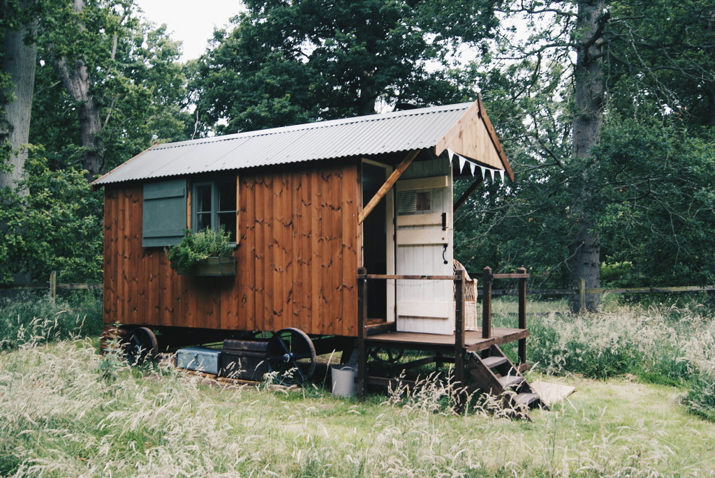 glamping in norfolk, shepherds hut norfolk, accommodation in norfolk