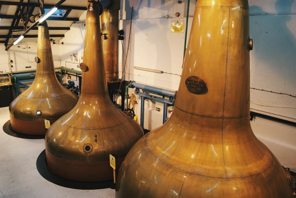 bowmore distillery islay, distilleries in scotland, scotland single malt