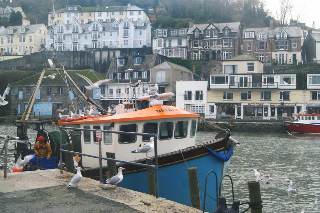visiting cornwall, looe harbour
