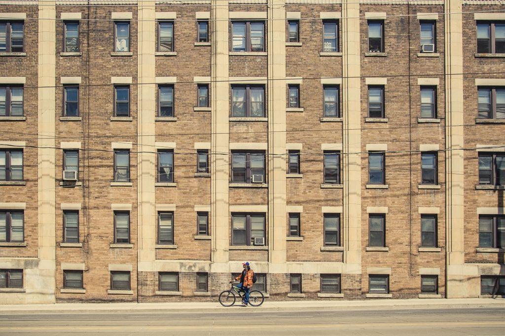 outdoor adventure in cities, cycling in cities