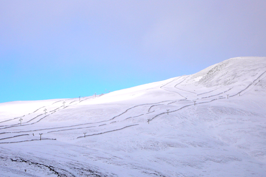 uk winter staycation, glenshee skiing