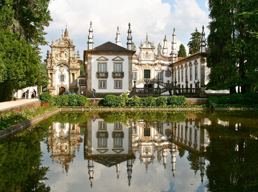 things to do in the douro, casa de mateus, vila real portugal
