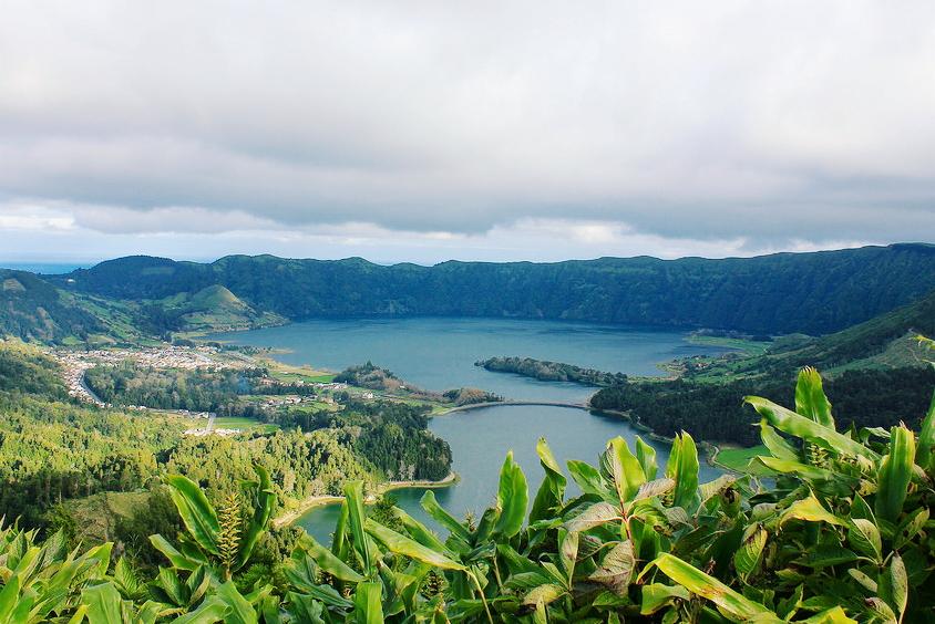 lagoa azul azores, portugla lakes, wild swimming portugal